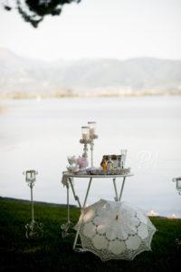 tavolo con lago sfondo