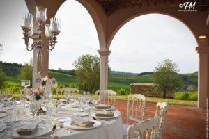mise en place per matrimonio in villa