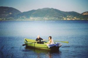 matrimonio sul lago in barchetta