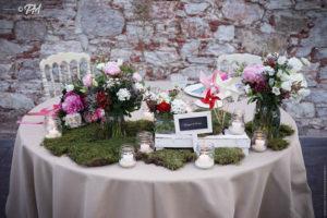 tavolo sposi in stile rustico