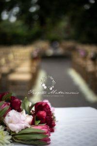 fiori con sfondo sedie
