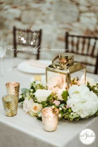 fiori su tavolo