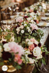 fiori sulla tavola