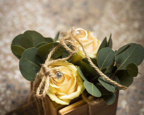 fiori finti gialli